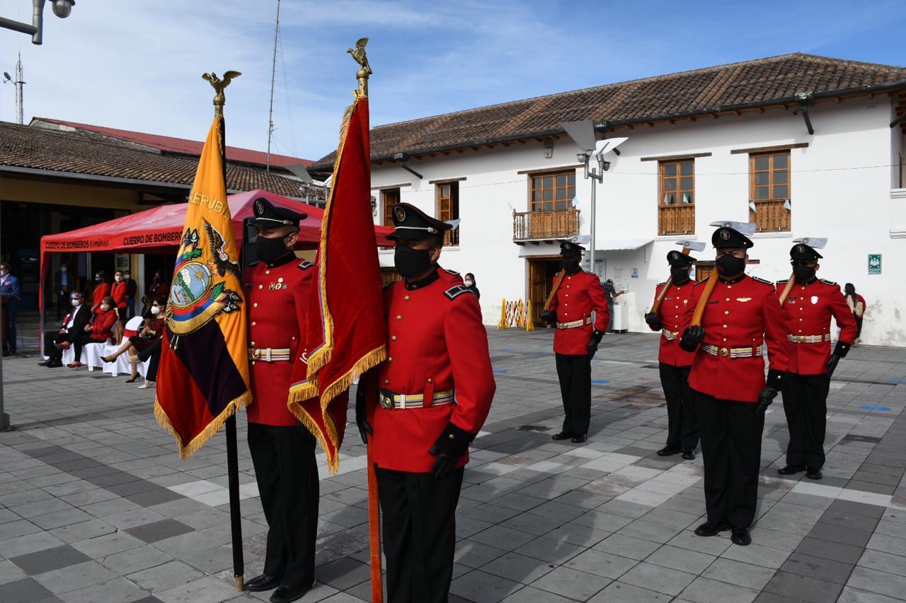 """Ceremonia Cívico Bomberil en Homenaje al 10 de octubre """"Día del Bombero Ecuatoriano"""""""