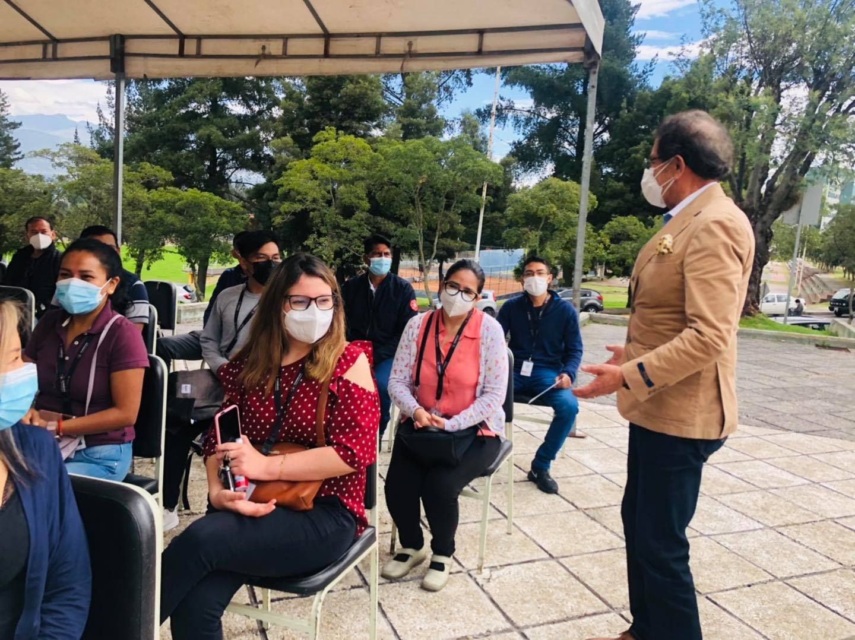 Personal Administrativo del Cuerpo de Bomberos Rumiñahui reciben vacuna contra la COVID-19